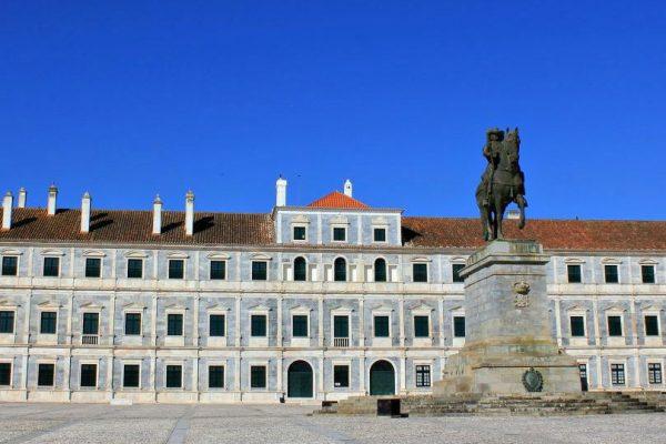 O palácio e o mármore