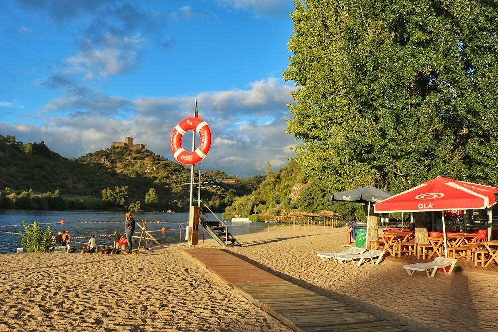A praia do Alamal é vigiada e acessível a pessoas com mobilidade reduzida