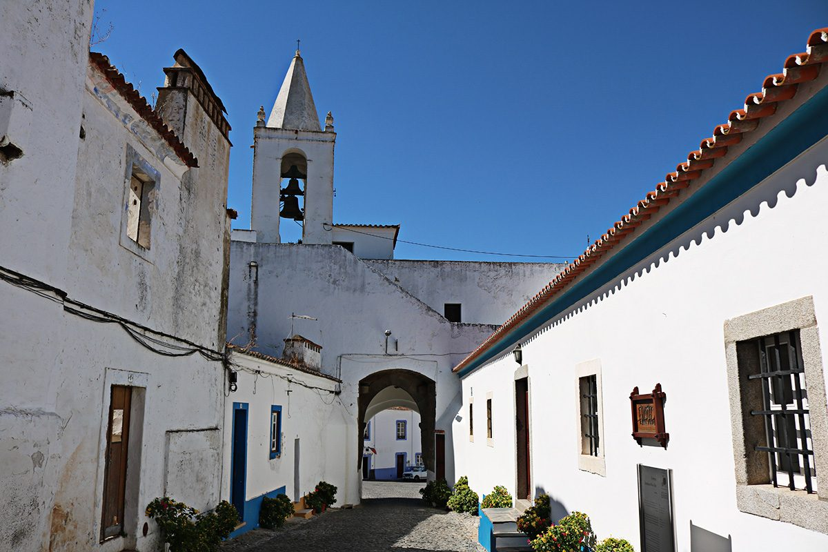 Rua medieval de Redondo