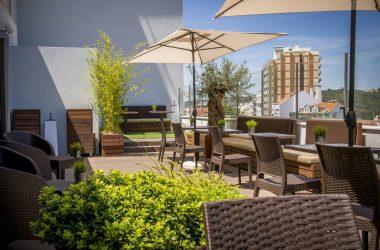 lounge skyna hotel