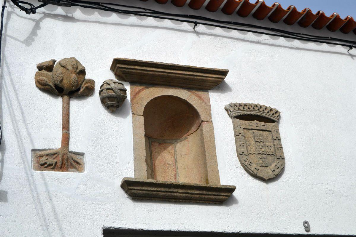 A simbologia da Cidade Falcão no edifício seiscentista do antigo hospital da Misericórdia