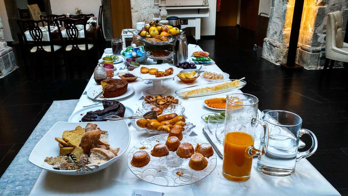 Pequeno-almoço à base de produtos regionais e caseiros