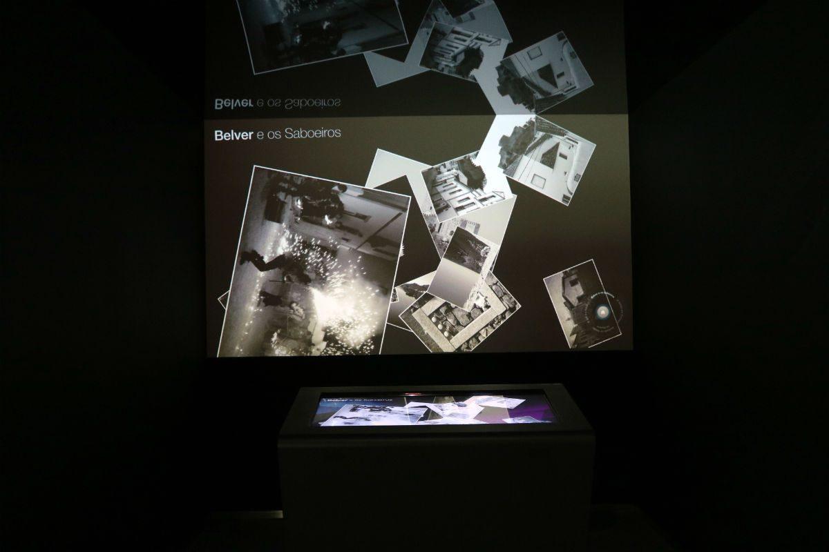 As caraterísticas e a história do sabão numa mesa interativa