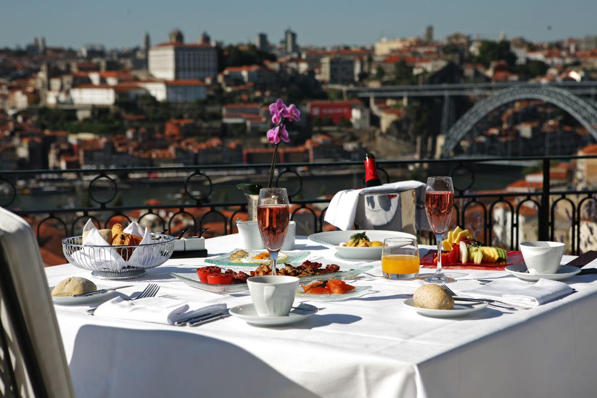 Almoço na esplanada do The Yeatman