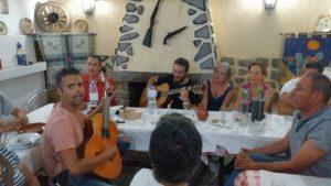 Noite com amigos no Redondo, na Taverna do Trovador